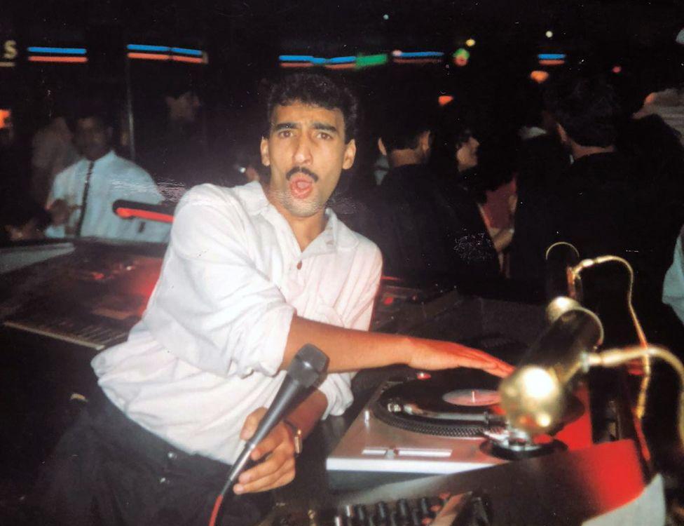 DJ Moey Hassan in action