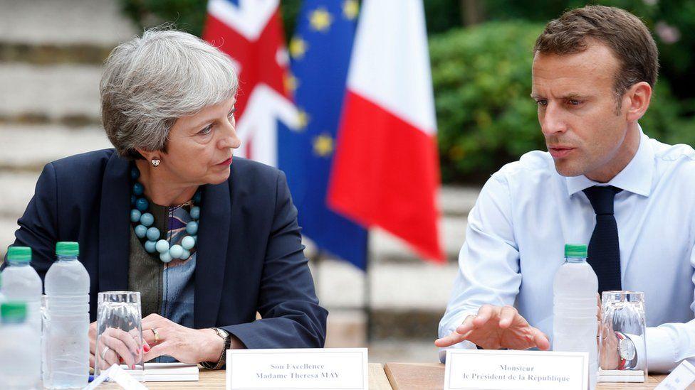 Theresa May meets with Emmanuel Macron