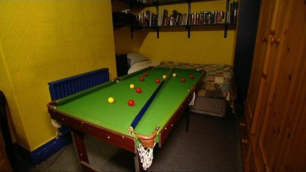 Andrew Gosden bedroom 2009