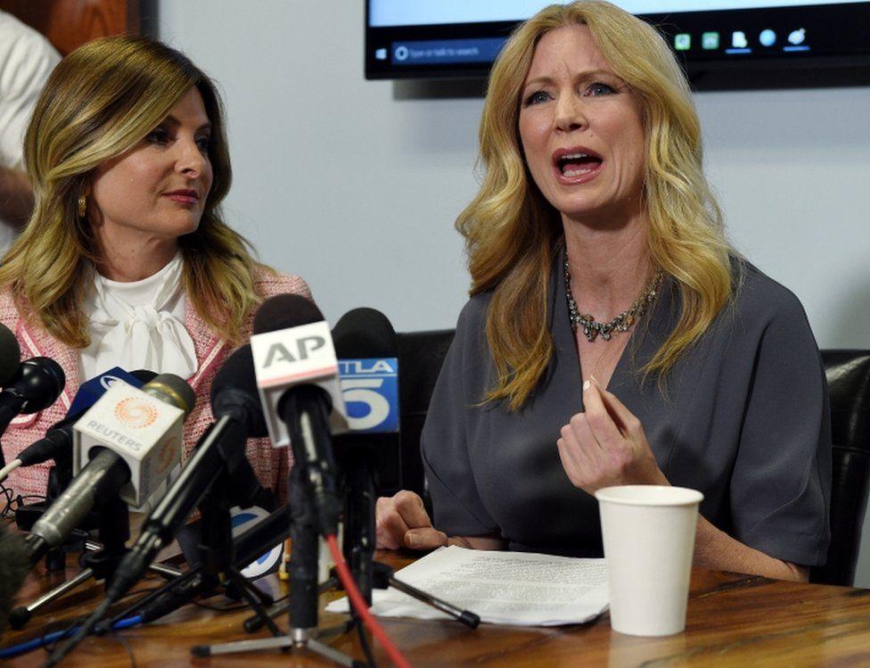 Former Fox News contributor Wendy Walsh (R) speaks alongside her lawyer, Lisa Bloom