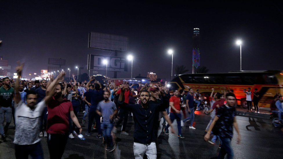"""هل عادت""""لعبة انتقاد الحكومة"""" إلى المشهد السياسي في مصر؟"""
