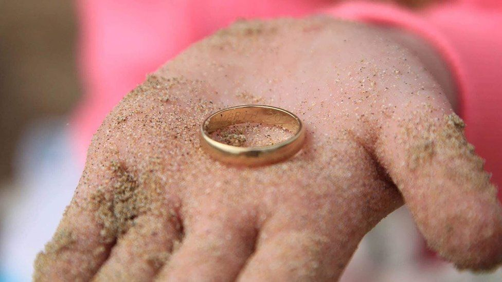 The ring was engraved with the name 'Maria'