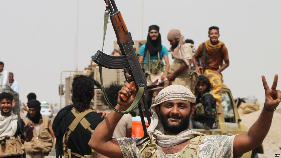 Pro-Hadi fighters on the outskirts of Aden