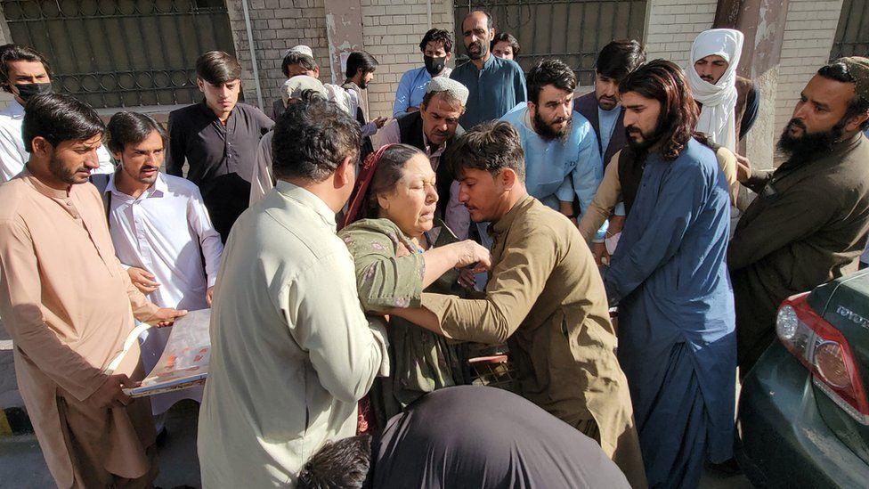 Pakistan earthquake kills 20 in Balochistan province - BBC News