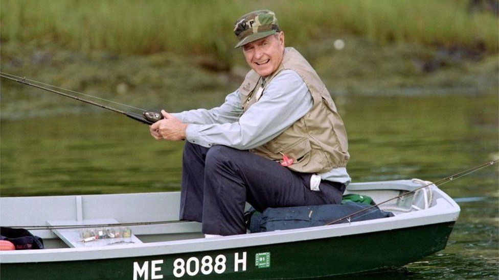 George HW Bush enjoying some downtime on the Kennebunk River in 1990