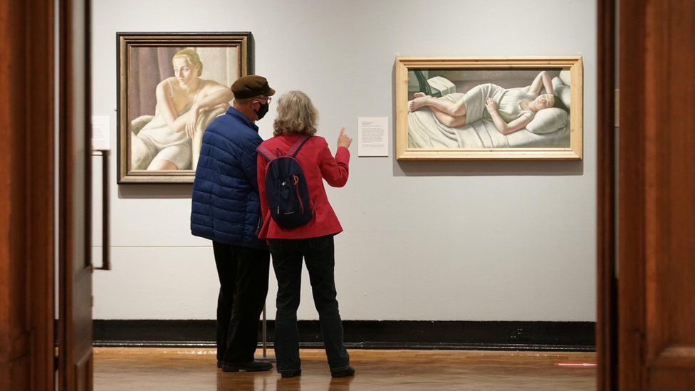 Couple at Laing Art Gallery in Newcastle