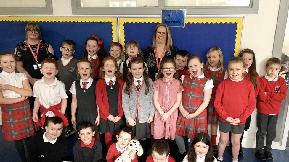 Primary 4/3 with Mrs McLaughlan