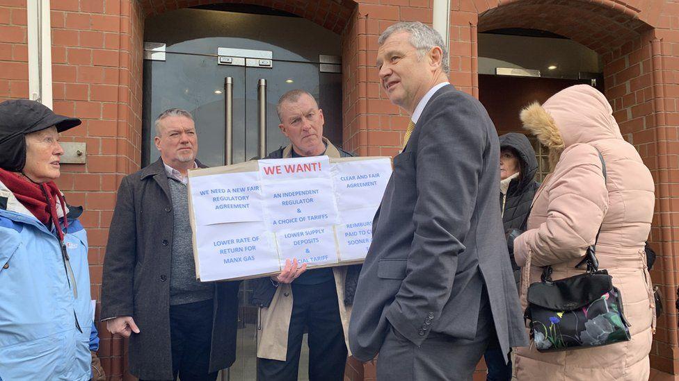MHK Chris Thomas speaks with campaigner Barry Murphy