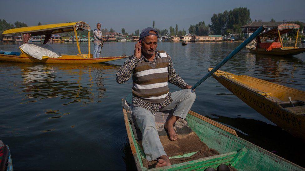 Kashmir conflict: Mobile services restored after 72 days
