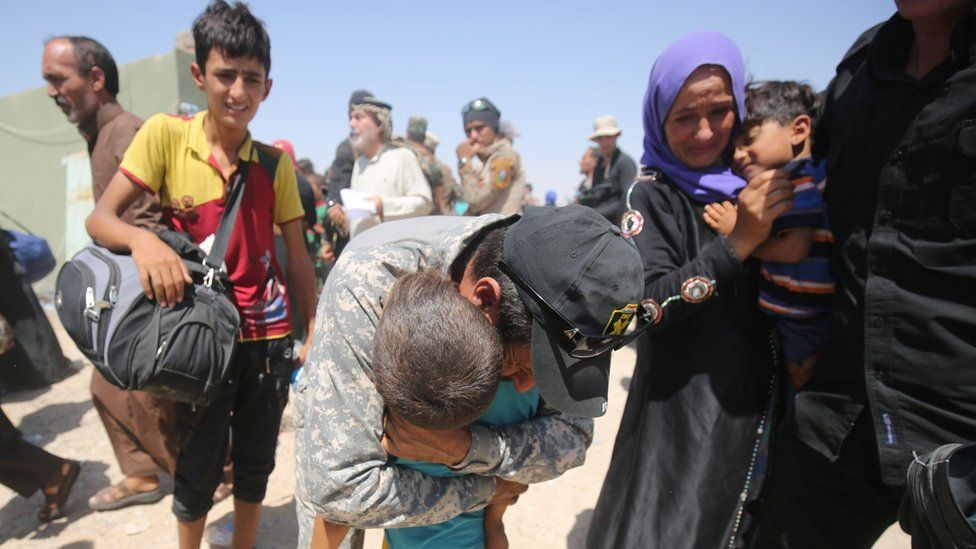 Fleeing Iraqis from Mosul