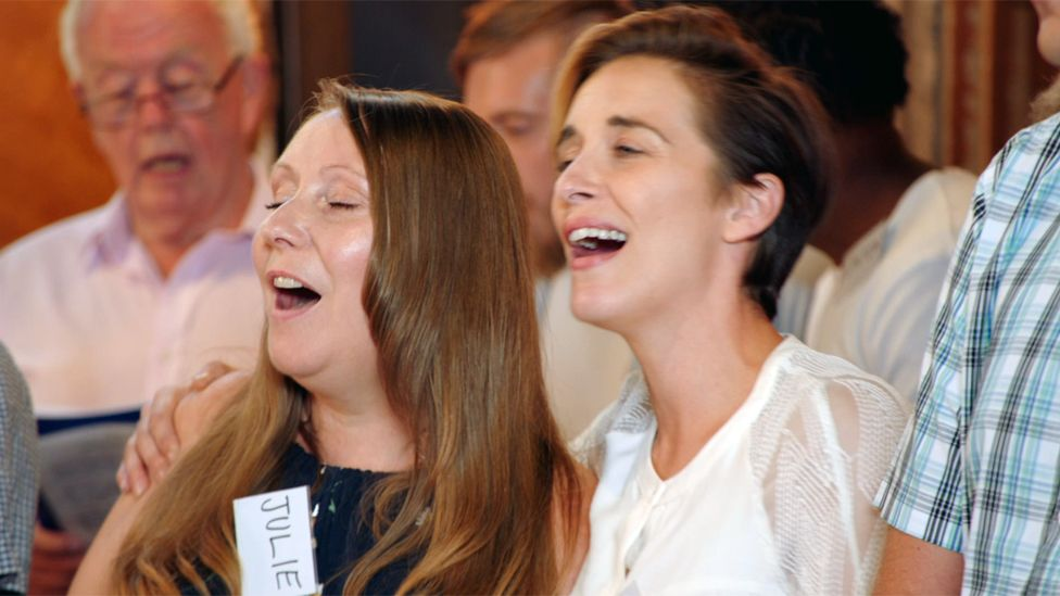 Vicky McClure and Julie singing a duet