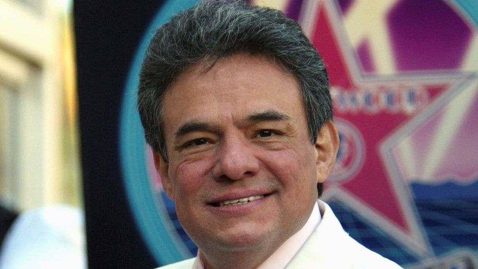 José José holds his plaque after receiving a star on the Hollywood Walk of Fame in February 2004.