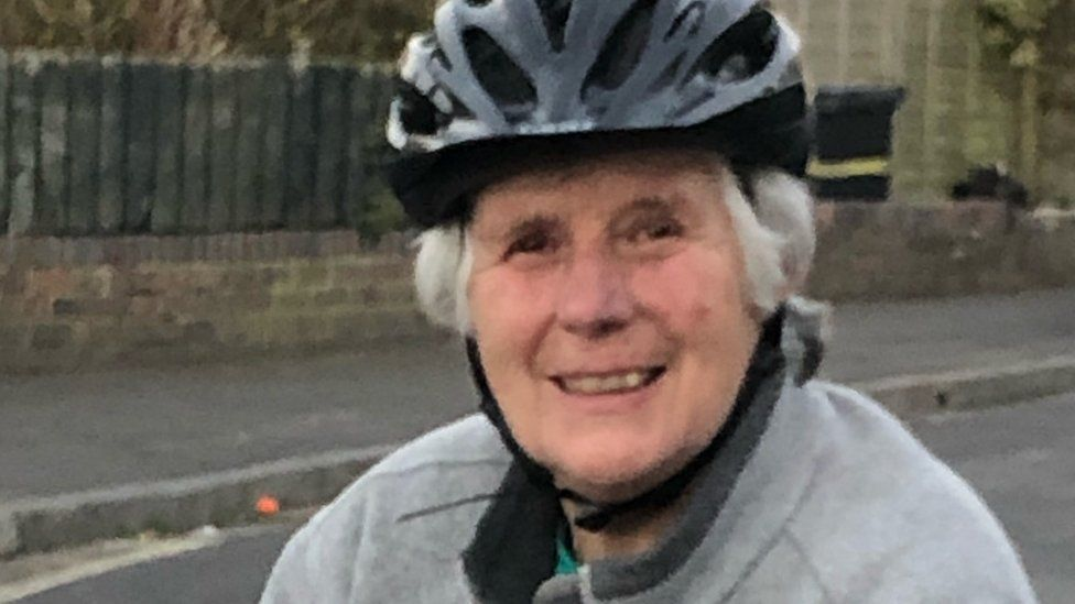 Wendy Fryer likes goes cycling and plays table tennis