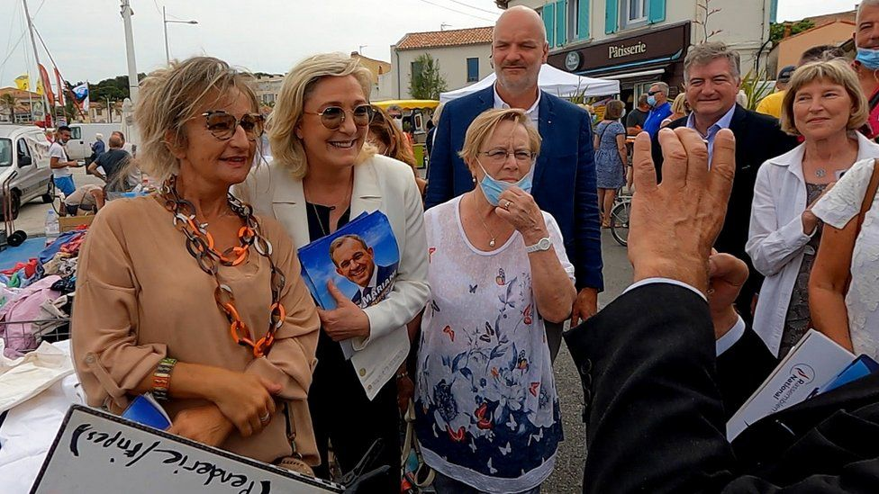 Marine Le Pen goes walkabout in Le Brusc