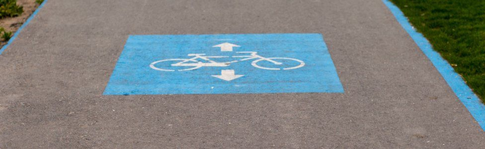 Foreign cycle path