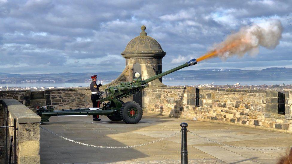 One o'clock gun being fired