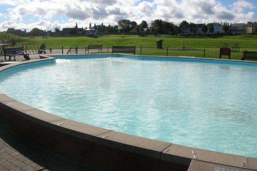 Paddling pool at Nairn Links