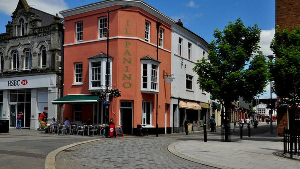Dunraven Place