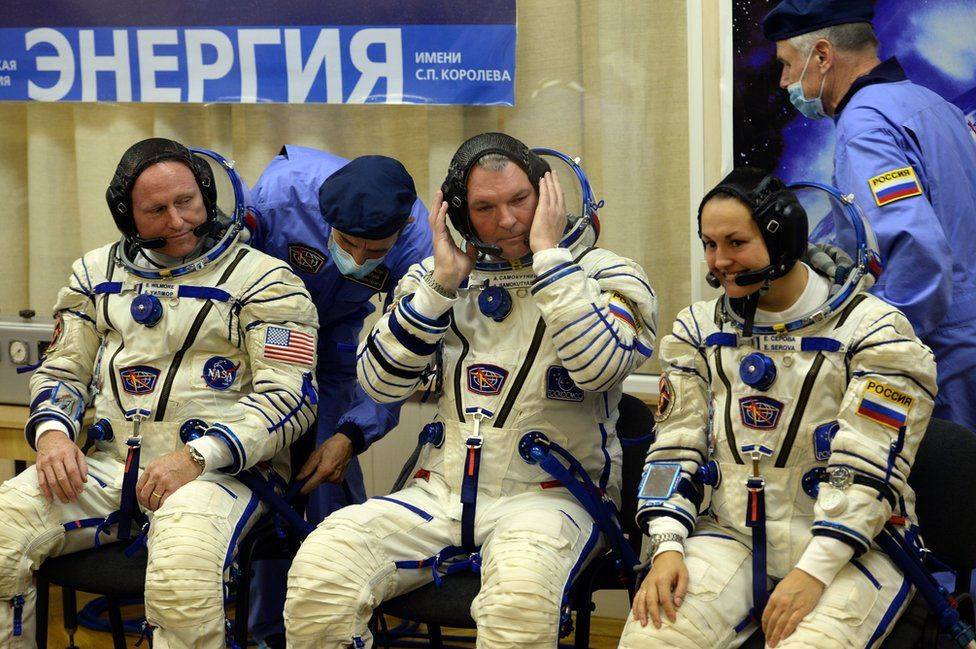 ISS crew - 25 Sep 14