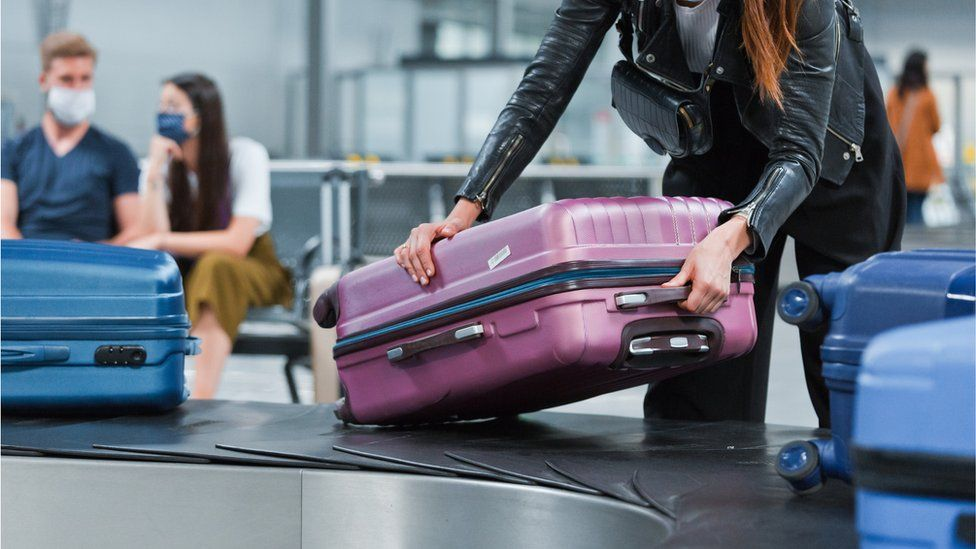 pick up suitcase