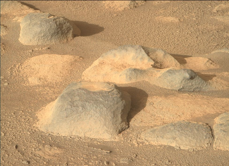 Rocks photographed by Nasa's Mars Perseverance rover's right Mastcam-Z camera, on 13 May 2021