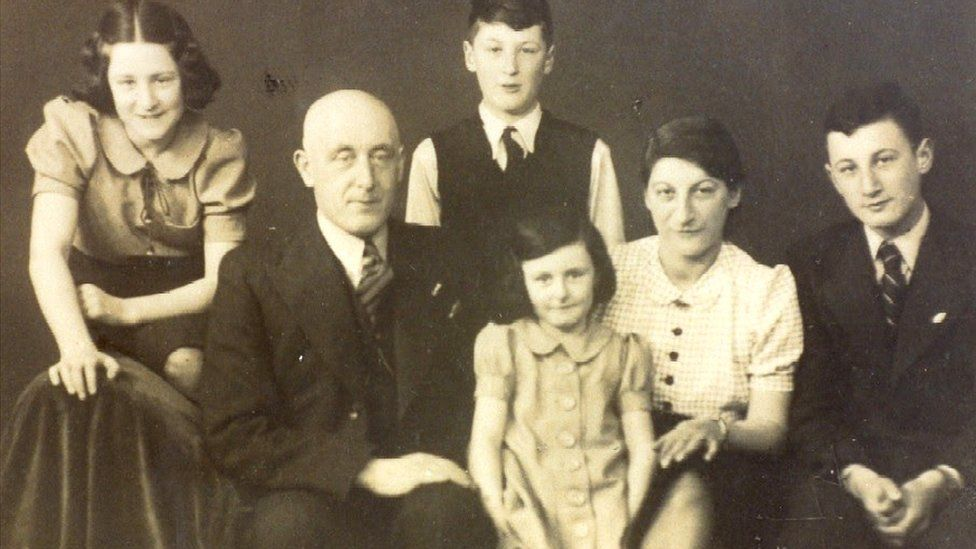 Mirjam (front centre) with her family in 1939