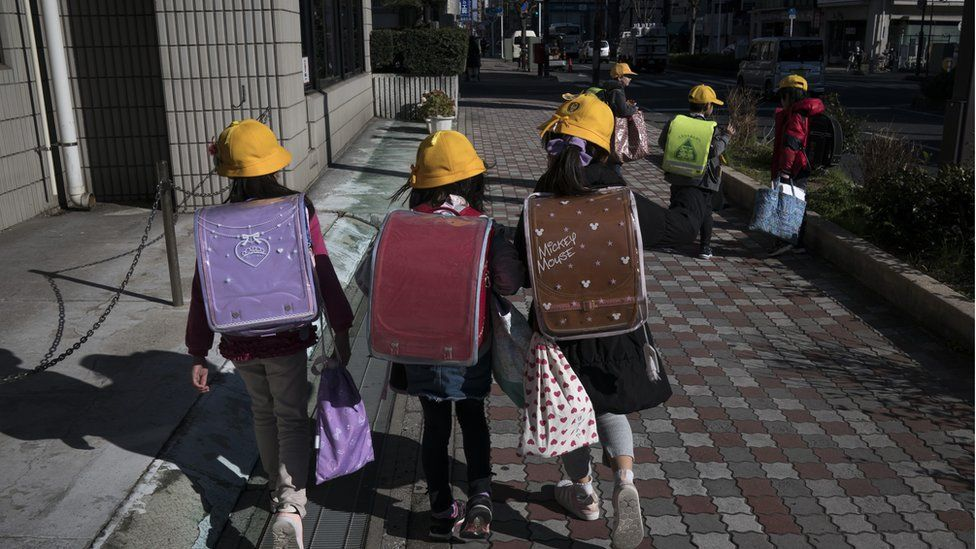 japan pupils walk home