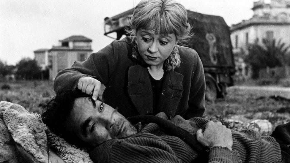 """Феллини отказался от своего раннего неореализма в пользу фильмов такого типа, как """"Дорога"""""""