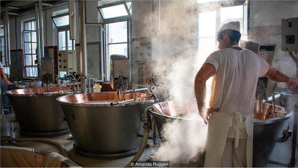 Produzindo Parmigiano Reggiano