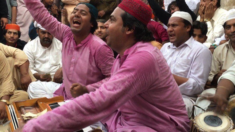 Qawwals perform at the Baba Farid shrine