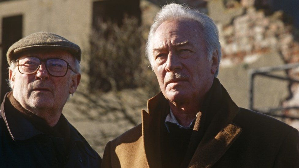 Edward Woodward and Christopher Plummer in Night Flight