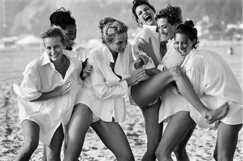 Fashion portrait showing Estelle Lefébure, Karen Alexander, Rachel Williams, Linda Evangelista, Tatjana Patitz and Christy Turlington