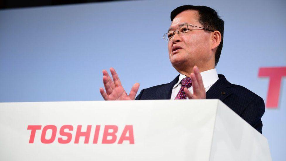 Toshiba chairman and CEO Nobuaki Kurumatani attends a press conference in Tokyo on November 8, 2018.