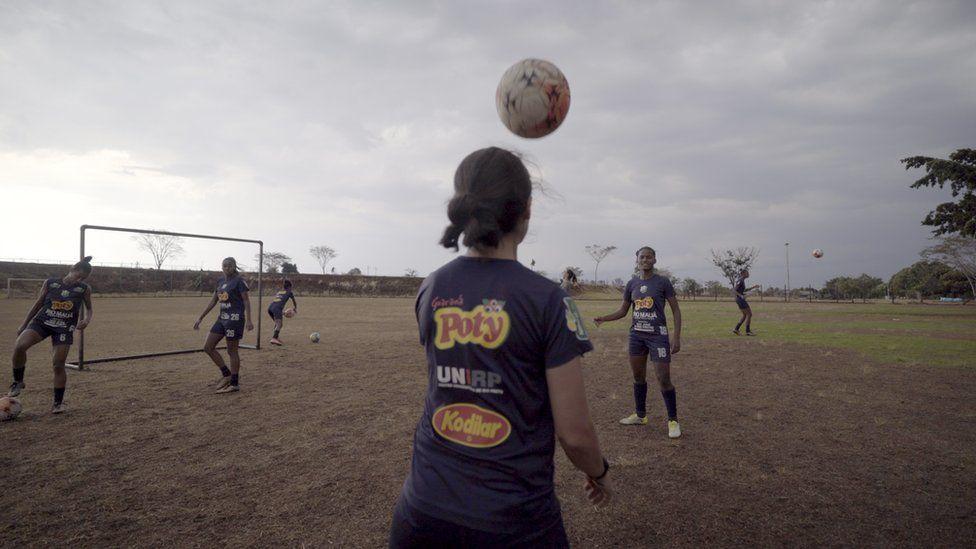 Rio Preto Esporte Club members training
