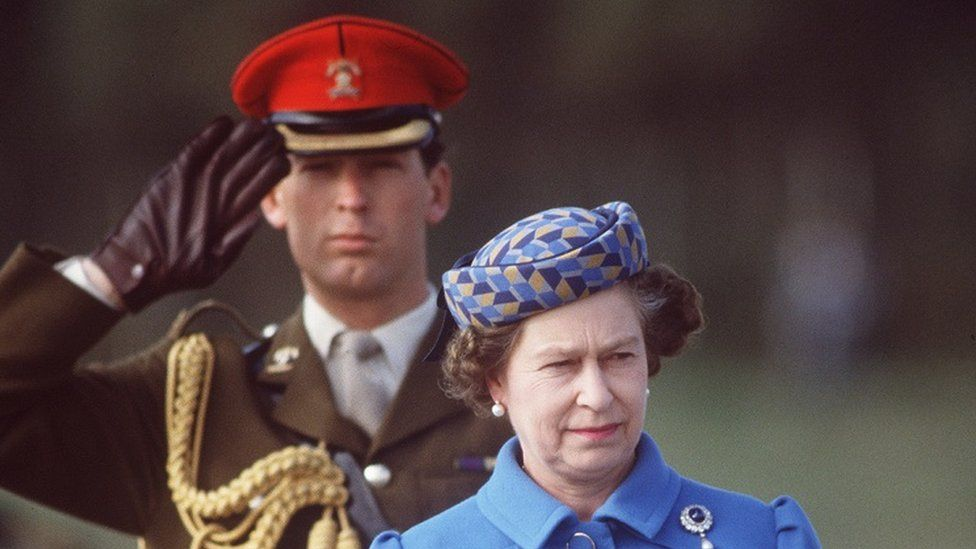 Major Lindsay and the Queen