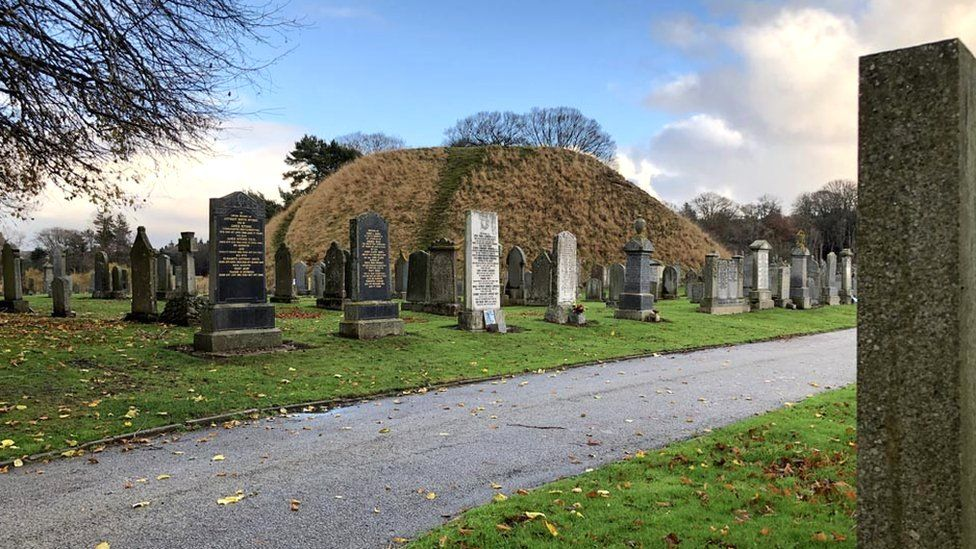 Inverurie's Bass Cemetery