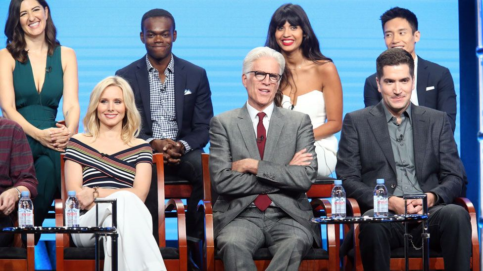 Jameela Jamil and the cast of The Good Place with executive producer Drew Goddard
