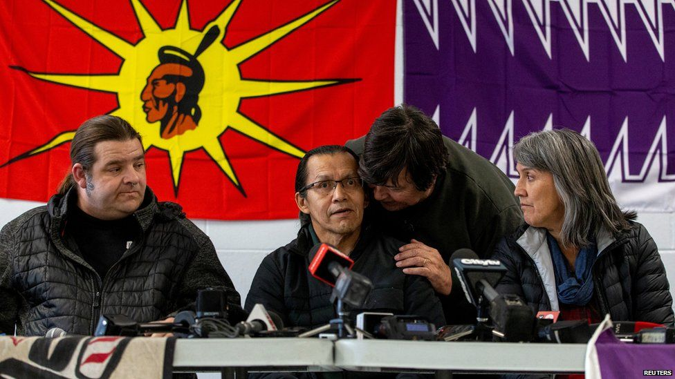 Members of the Mohawk nation met with Wet'suwet'en hereditary chiefs on Friday to reiterate their support