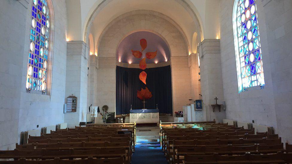 St Andrew's Kirk int