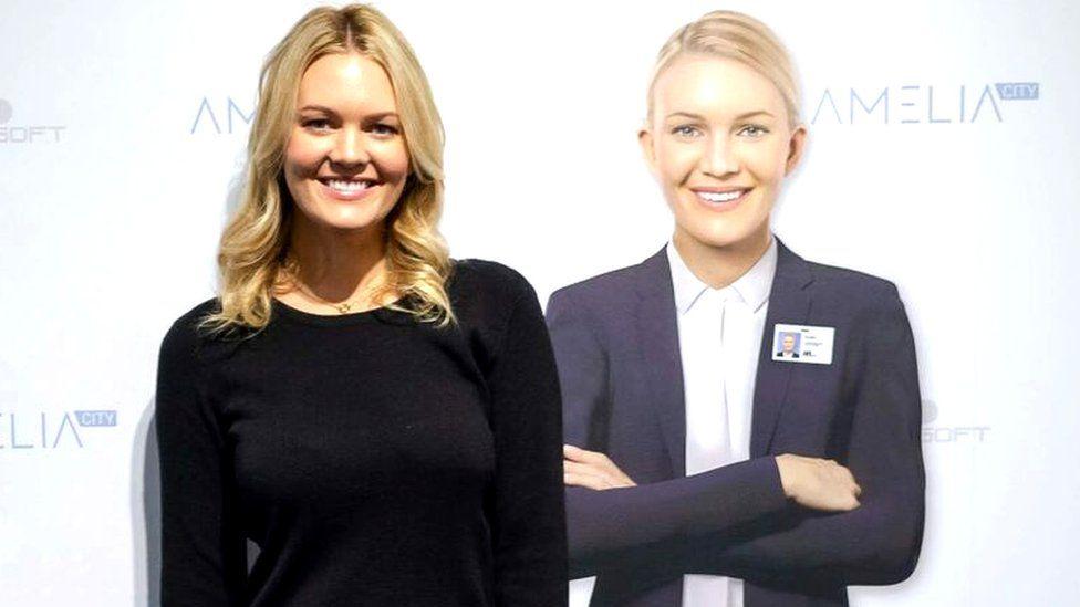 Lauren Hayes standing next to Amelia
