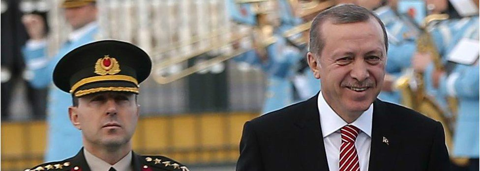 President Recep Tayyip Erdogan (R) with former aide-de-camp Ali Yazici (file pic March 2016)