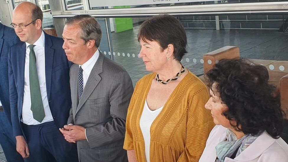 Nigel Farage and Welsh Assembly members of the Brexit Party