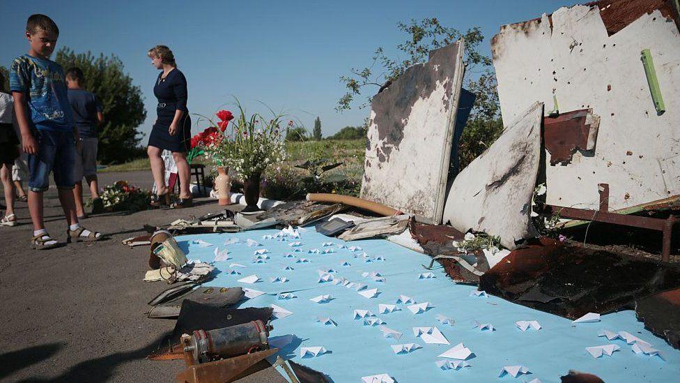 Vuelo MH17: cuatro personas son acusadas de asesinato por el derribar del avión en Ucrania en 2014