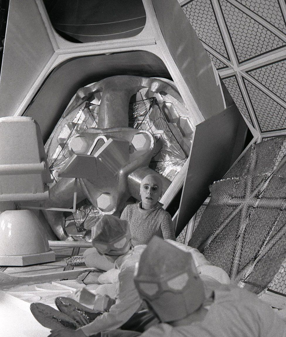 Yvonne Mitchell played the role of the mother Vashti in this 1966 television adaptation of The Machine Stops, as part of a science fiction series called Out Of The Unknown