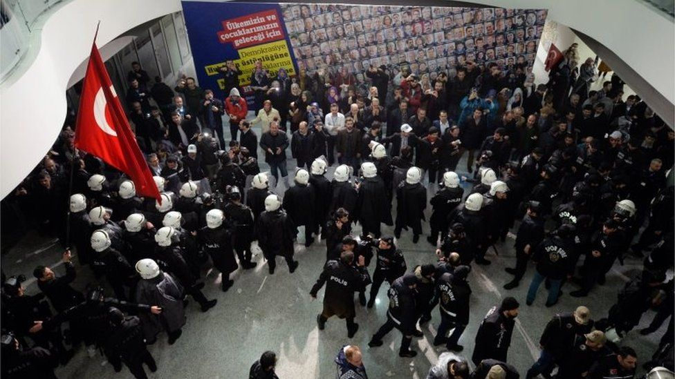 Turkish police enter Zaman's headquarters in Istanbul