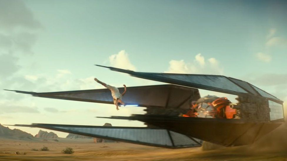 Rey leaps over a low-flying ship in the Rise of Skywalker