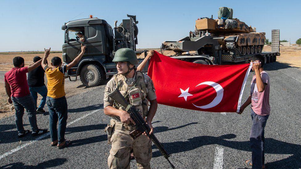 """صحف بريطانية تناقش """"خيانة على الحدود السورية"""" و""""حماقة"""" ترامب وأردوغان"""
