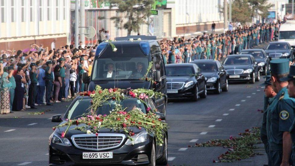 Mourning motorade in Tashkent, 3 September 2016