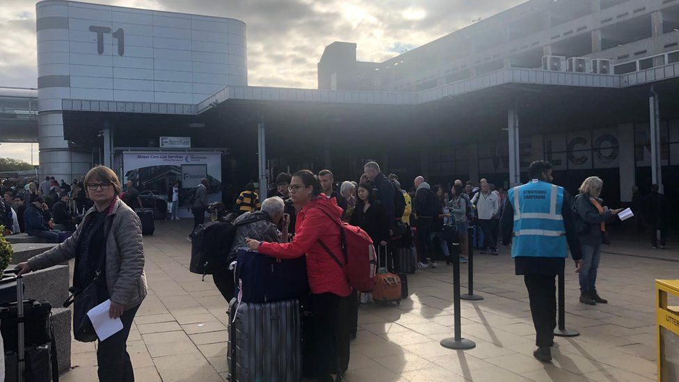 Taxi queue at T1, Manchester Airport
