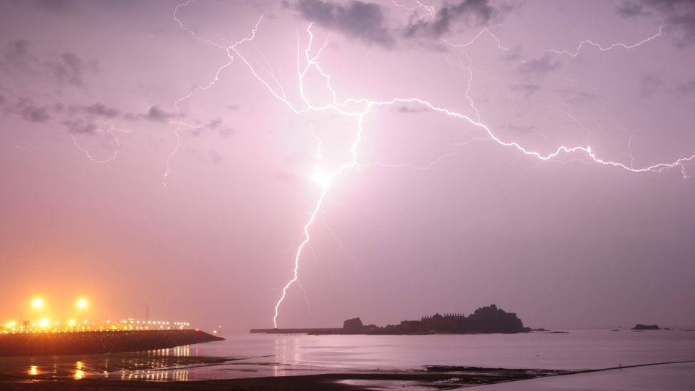 Lightning pictures: How do you take good photographs of a storm?